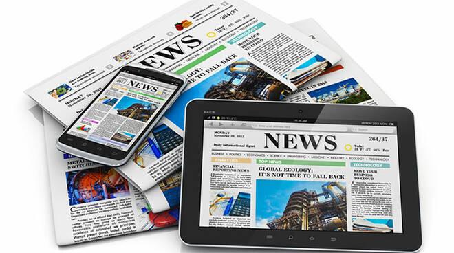 Giornalismo_giornali_carta_web.jpg