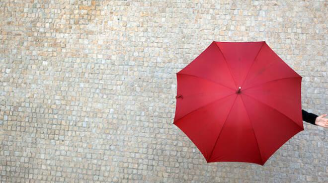 PIOGGIA ombrello meteo.jpg