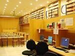 Interno della biblioteca Manfrediana di Faenza