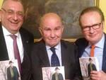 Nella foto: Silvio Gambi tra Alberto Gamberini e Beppe Rossi