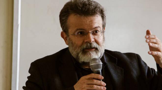 Giuseppe Bellosi questa sera a Giovecca presenterà E' viaz,