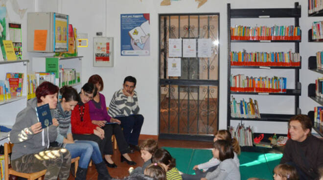 Nati per leggere vuole diffondere la lettura ad alta voce fatta da un adulto
