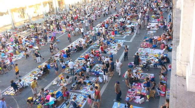 Il Mercatino dei Ragazzi in Piazza del Popolo a Faenza