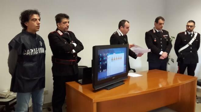 Un momento della conferenza stampa sull'operazione nel comando dei Carabinieri di Meldola (foto Blanco)