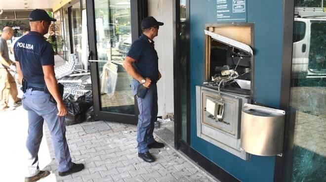 L'assalto al bancomat di Cerasolo (foto Manuel Migliorini)