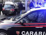 I carabinieri del radiomobile hanno bloccato l'uomo subito dopo il furto in spiaggia (foto archivio Migliorini)