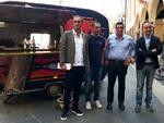 In Piazza del Popolo il furgone dell'Aggiuga; da sx, Pellicciardi, Salbaroli, de Pascale e Cameliani