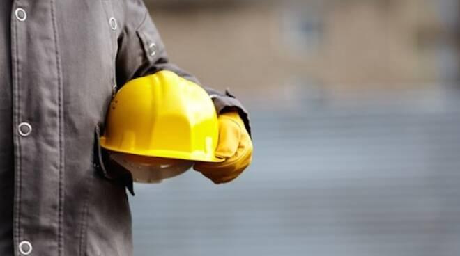 I tecnici del Servizio edilizia scolastica sono sul posto per dare avvio alle attività