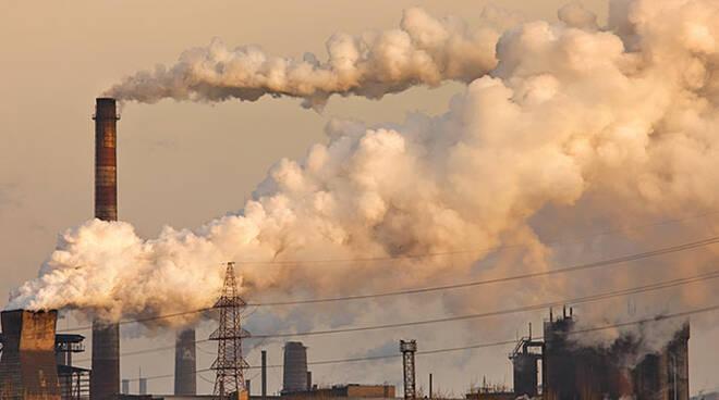 Lo smog non va in ferie neanche nel periodo natalizio nel territorio dell'Emilia Romagna (foto d'archivio)