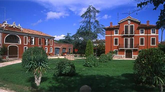 Villa Ortolani a Voltana