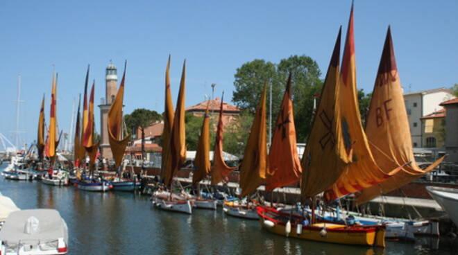 Le barche storiche sul Canale di Cervia