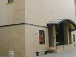 L'ingresso del Teatro Diego Fabbri di Forlì - foto di Pubblico Dominio da wikipedia