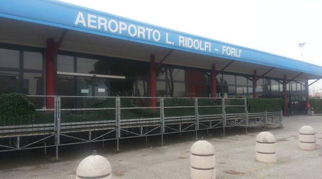 Dibattito aempre acceso e infuocato sull'aeroporto di Forlì