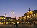 piazza Saffi al tramonto - foto pubblico dominio da wikipedia