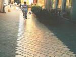 La fascia in pietra Apricena in via Mazzini