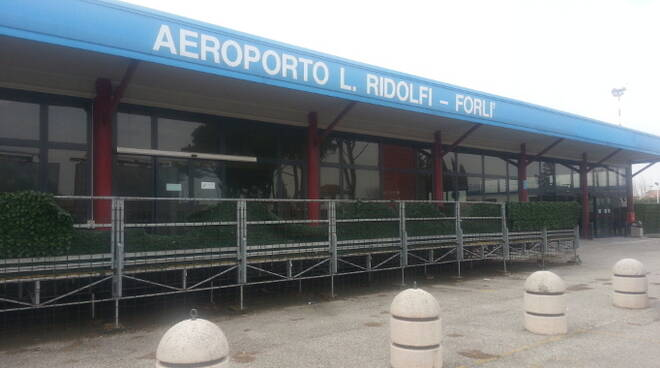 L'aeroporto Ridolfi di Forlì