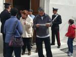 I Carabinieri della Stazione di Savio distribuiscono gli opuscoli informativi