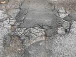 Una delle tante strade malconce di Marina Romea