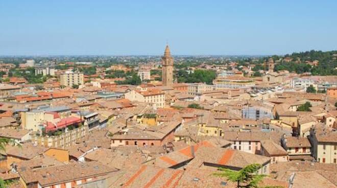 Una veduta panoramica del centro storico di Cesena (foto d'archivio)