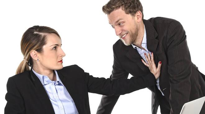 Discriminazione e molestie nei luoghi di lavoro è uno dei temi trattati (foto di repertorio)