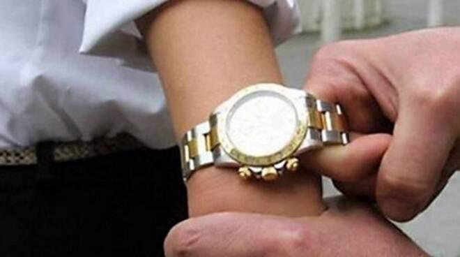 Un orologio di valore era stato la preda della ladra 22enne (immagine repertorio)