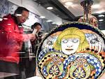 """Un piatto della mostra """"L'eredità di mille anni di ceramica"""" allestita in questi giorni in Cina"""
