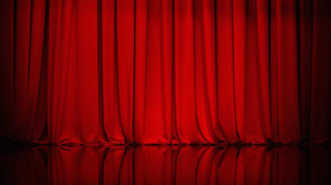 Il teatro offre strumenti formativi che permettono di vivere con maggior consapevolezza la propria sensibilità e personalità