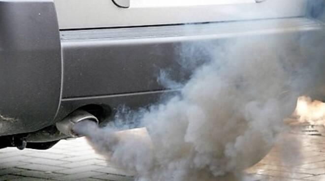 Si cerca di ridurre l'inquinamento da gas di scarico