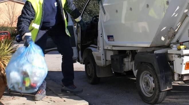 Raccolta differenziata dei rifiuti (immagine d'archivio)