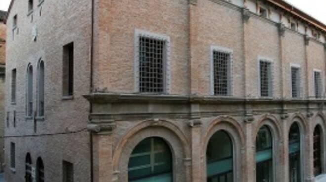 Il palazzo del Monte di Pietà a Forlì