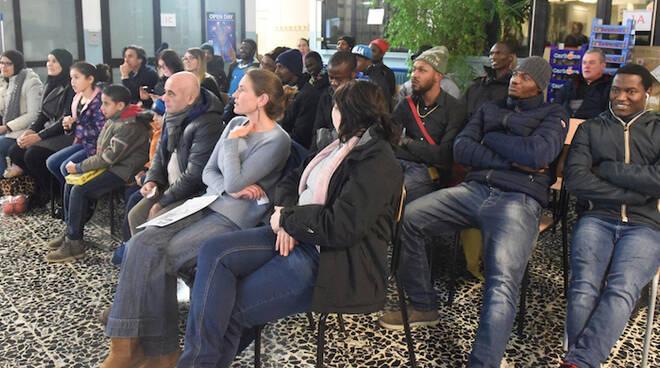 In foto un momento della festa organizzata lo scorso dicembre durante i corsi di lingua italiana