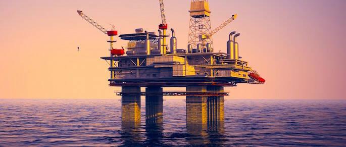 Una piattaforma per l'estrazione di gas e idrocarburi in mare (foto d'archivio)