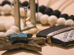 Gioielli gemelli realizzati da orafe e ceramiste a Schwäbisch Gmünd