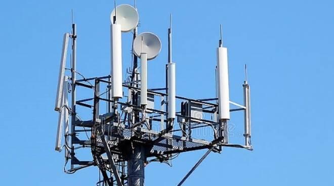 Ripetitori per la telefonia mobile: a Forlì avranno una collocazione provvisoria nel giardino