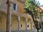 I chiostri d'ingresso della biblioteca Classense