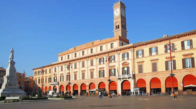 Il municipio di Forlì (foto archivio Blaco)