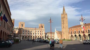 Piazza Saffi a Forlì, uno dei luoghi simbolo del centro storico