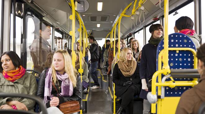 Soddisfa il ripristino del collegamento di alcune linee del bus con piazza Saffi