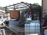 Una foto dei rifiuti speciali rinvenuti dai militari