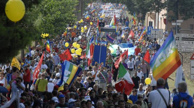 La marcia Perugia-Assisi. www.perlapace.it