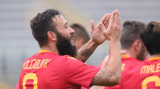 Nocciolini festeggia il goal