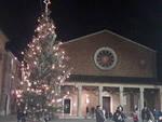 Acceso l'albero di Natale a Solarolo