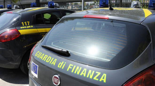 Truffa aggravata e indebita percezione di erogazioni pubbliche in danno dello Stato i reati prefigurati dai finanzieri