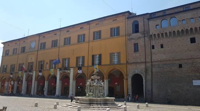 Il Comune di Cesena (foto d'archivio)
