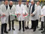 Il taglio del nastro dei nuovi impianti di confezionamento nello stabilimento Caviro di Forlì