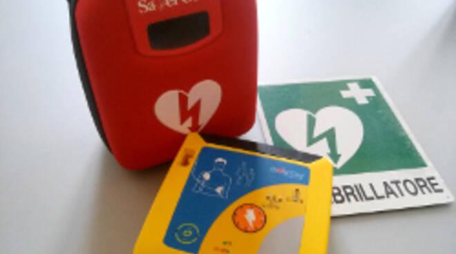 Un defibrillatore (foto d'archivio)