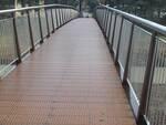 Il nuovo ponte pedonale sul fiume Senio