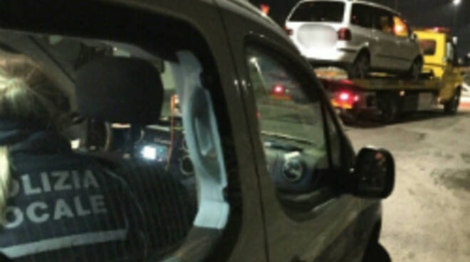 L'auto sequestrata dalla Pm