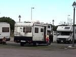 Camper in sosta in via Travaglini (foto inviate da Nicola Grandi)