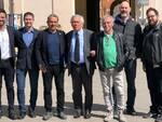 Foto di gruppo per un'alleanza intorno a Massimo Medri